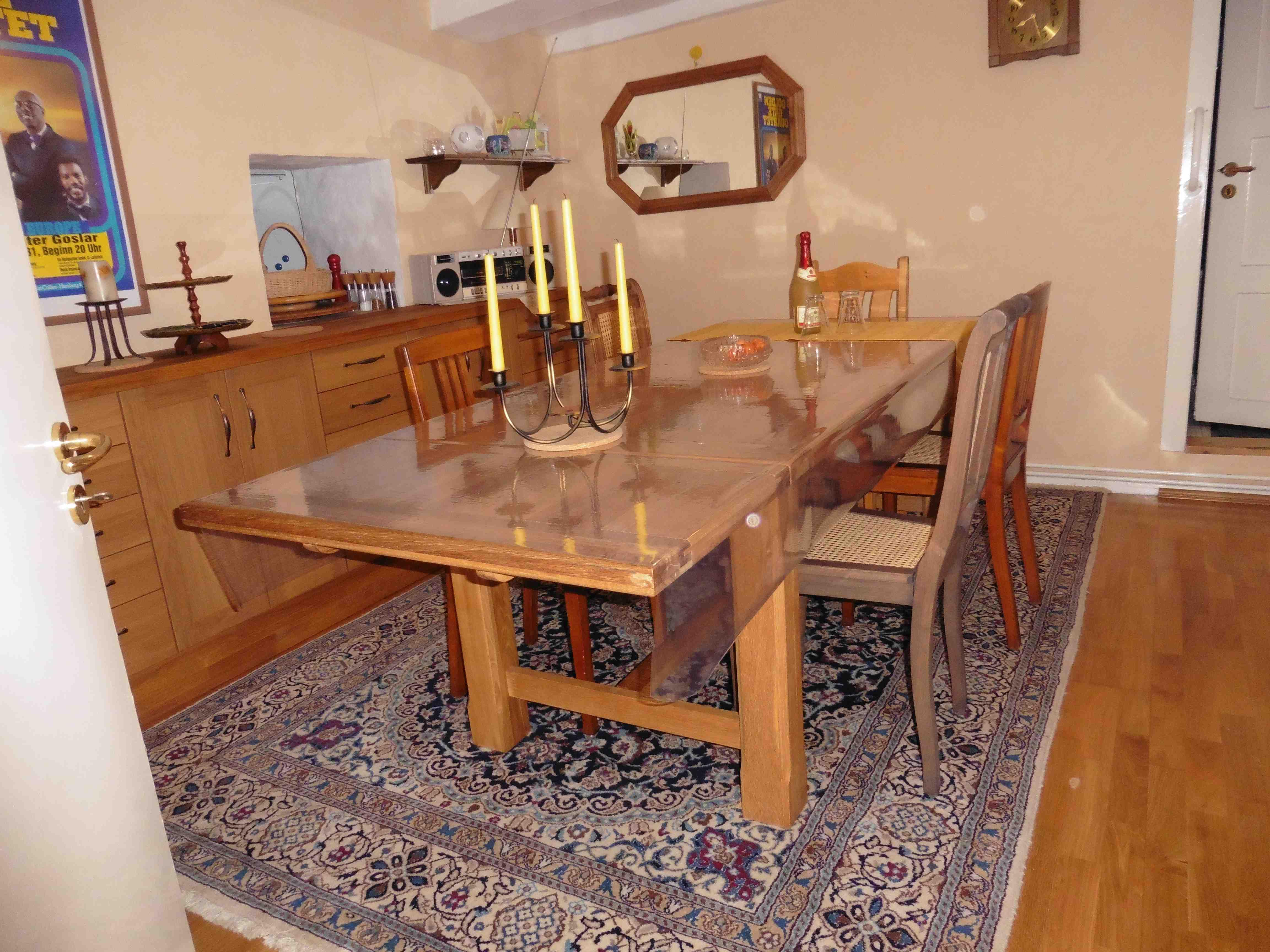Eßzimmer Mit Durchreiche Zur Küche